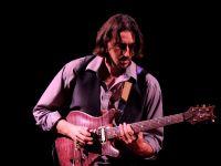 tour photo vanquish guitar lo castro